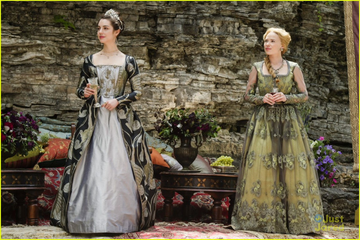 reign costumes adelaide kanes favorites 01