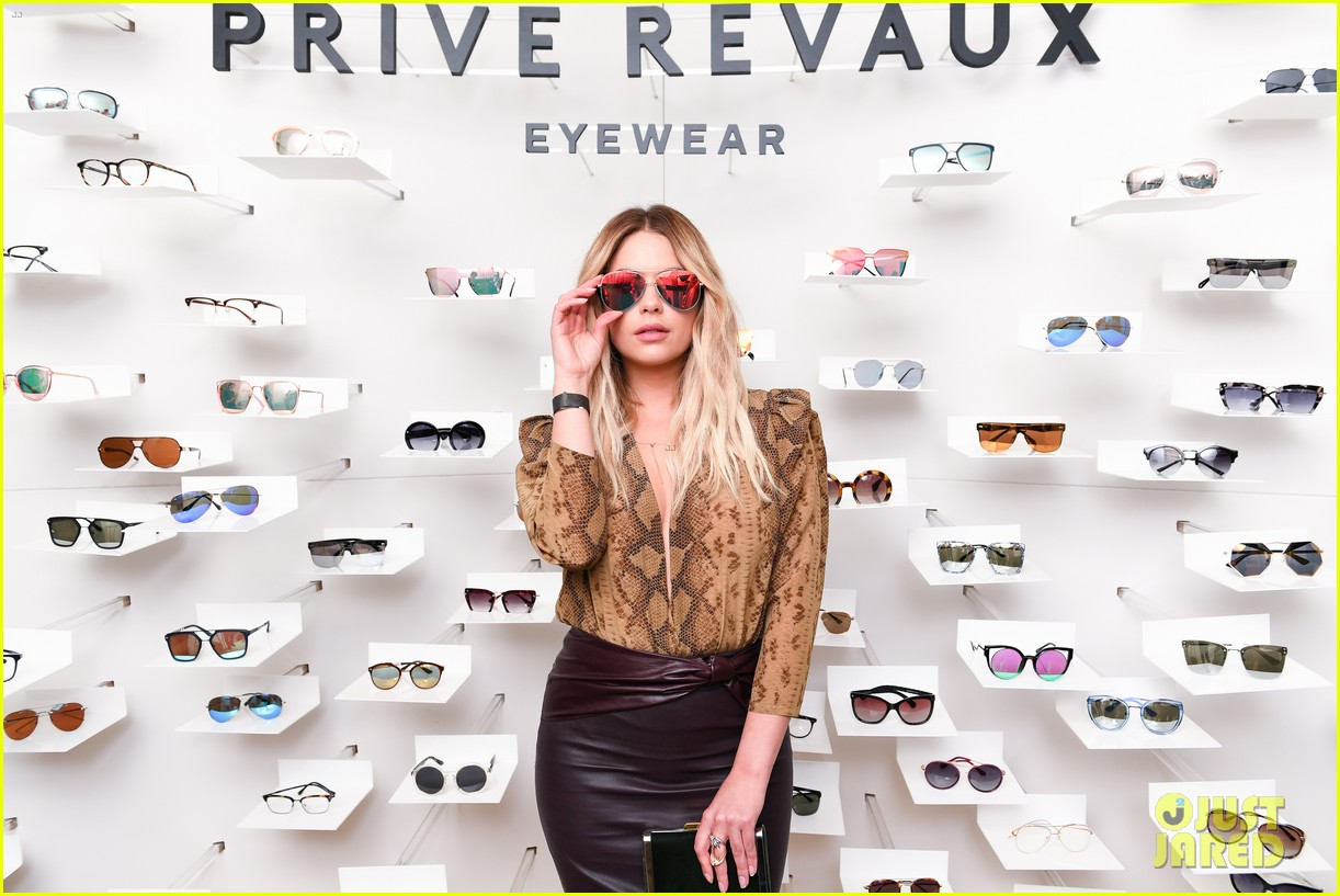 hailee steinfeld ashley benson and jamie foxx launch new eyewear line 35