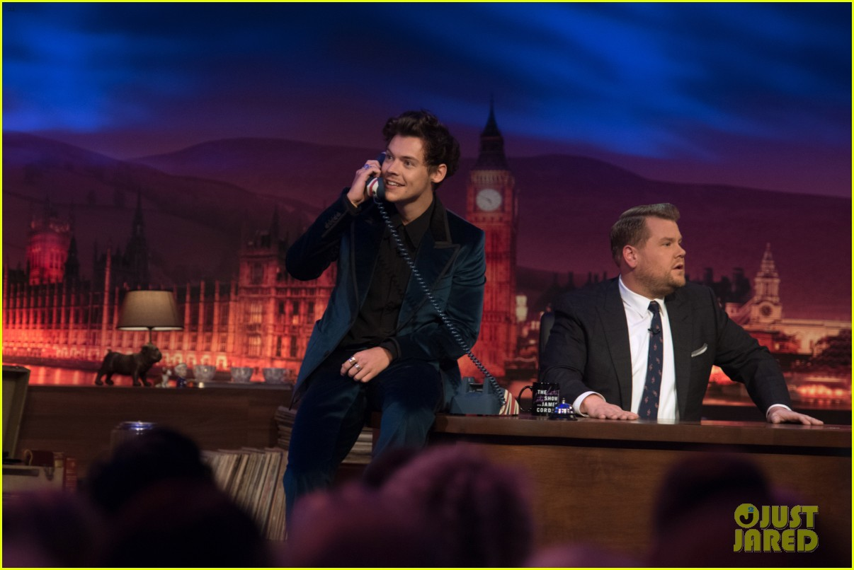 harry styles takes a surprise phone call on late late show03