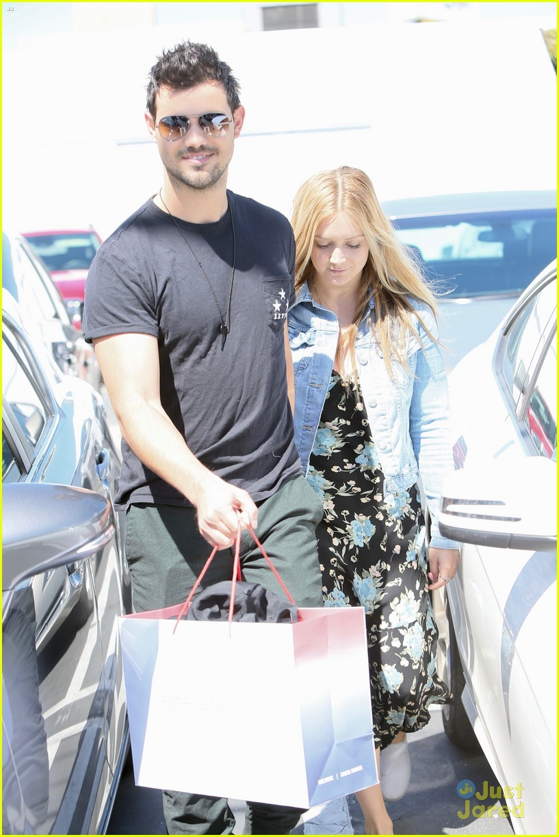 taylor lautner billie lourd husband 05