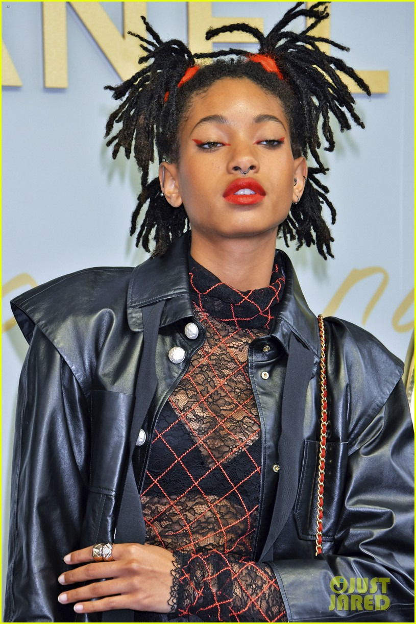 willow smith lily rose chanel tokyo 01