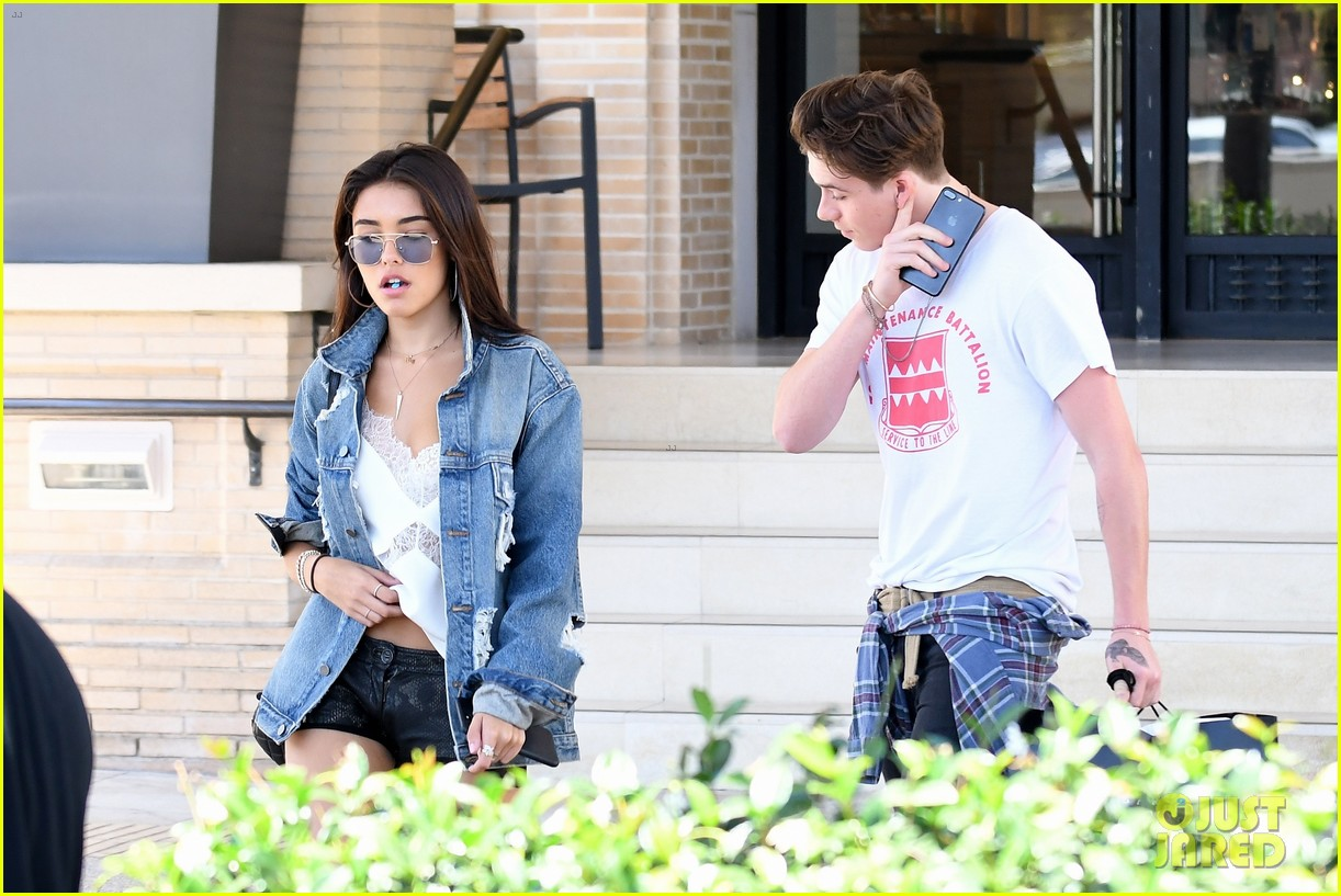 brooklyn beckham shops with madison beer after introducing her to his mom 09