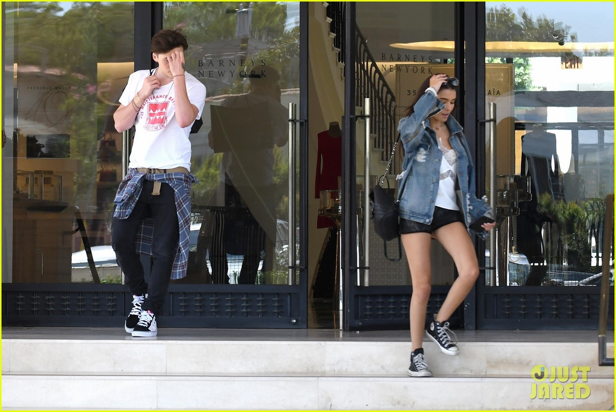 brooklyn beckham shops with madison beer after introducing her to his mom 12