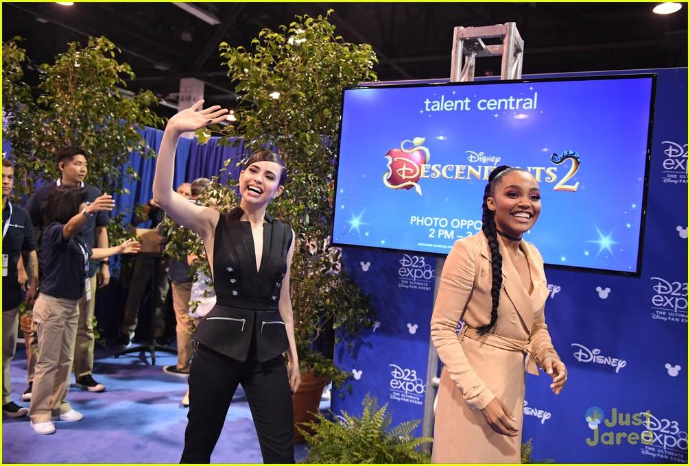descendants new trailer d23 expo talent pics 06