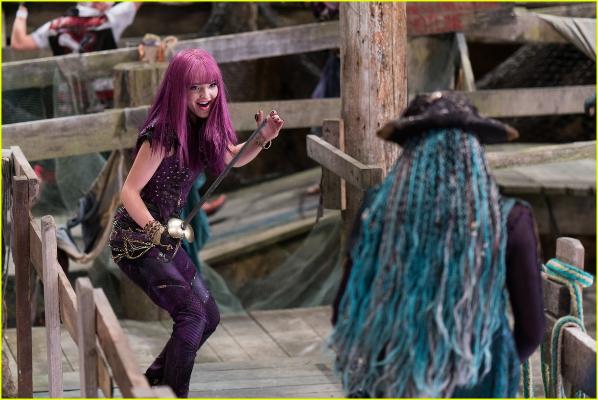 dove cameron keeps mal ring descendants 03