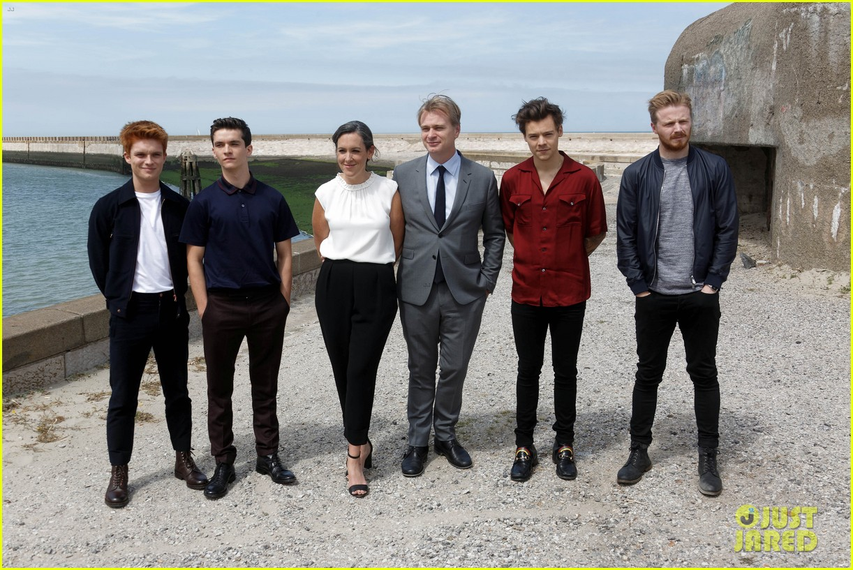 harry styles and dunkirk costars attend photo call in france 06