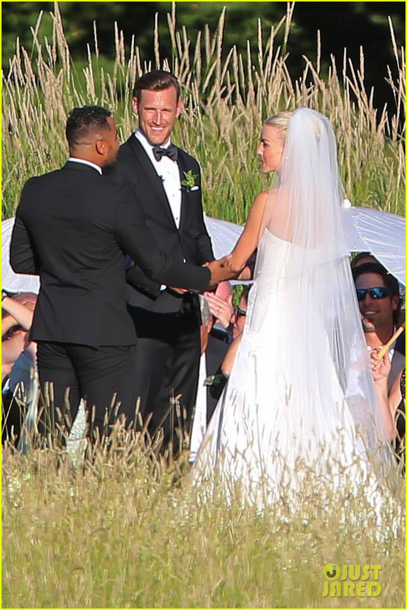 Julianne Hough Brooks Laich S Wedding Pictures See Them