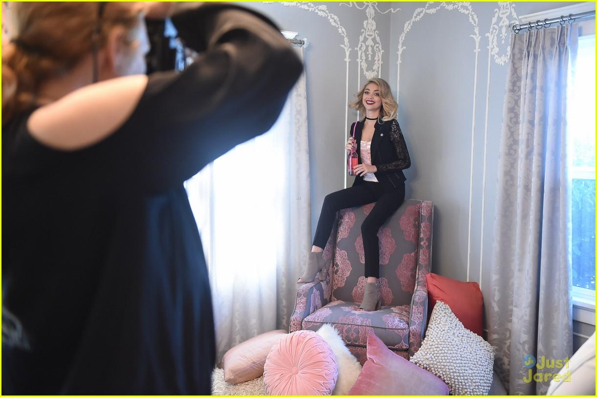 sarah hyland mermaid jean candies new campaign pics 31