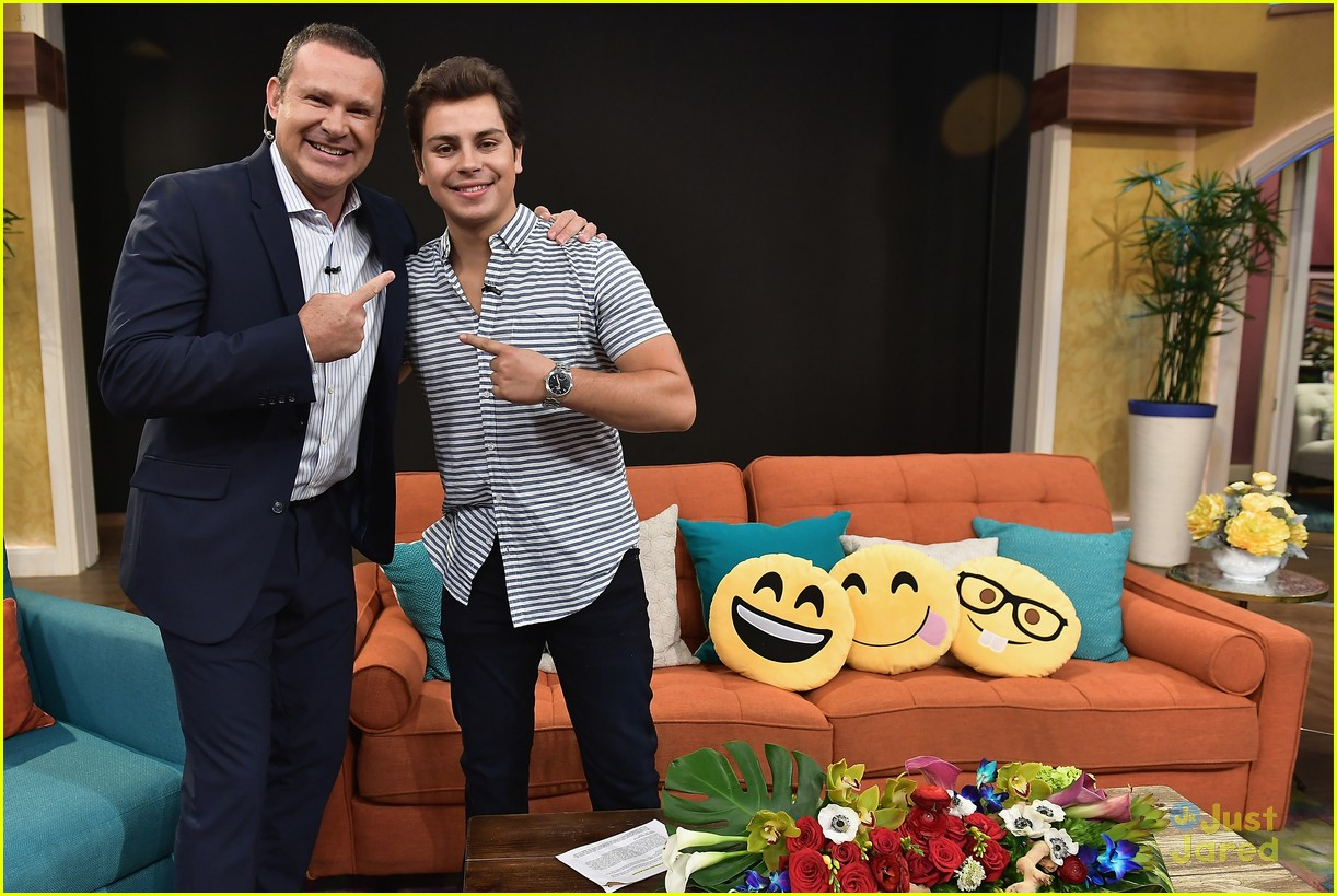 jake t austin emoji movie promo miami 02