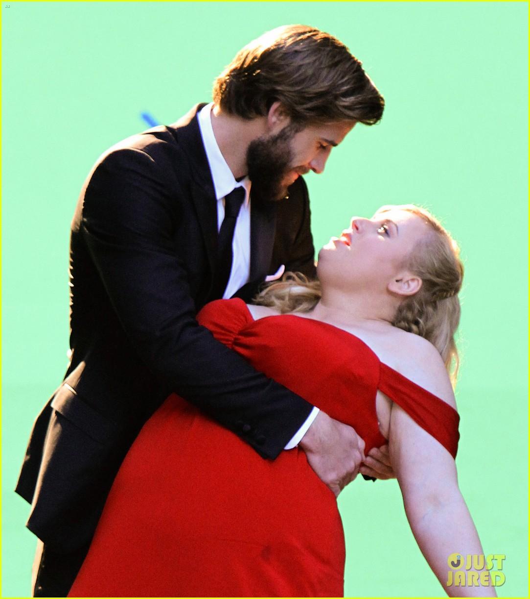 liam hemsworth dips kisses rebel wilson for new movie 10