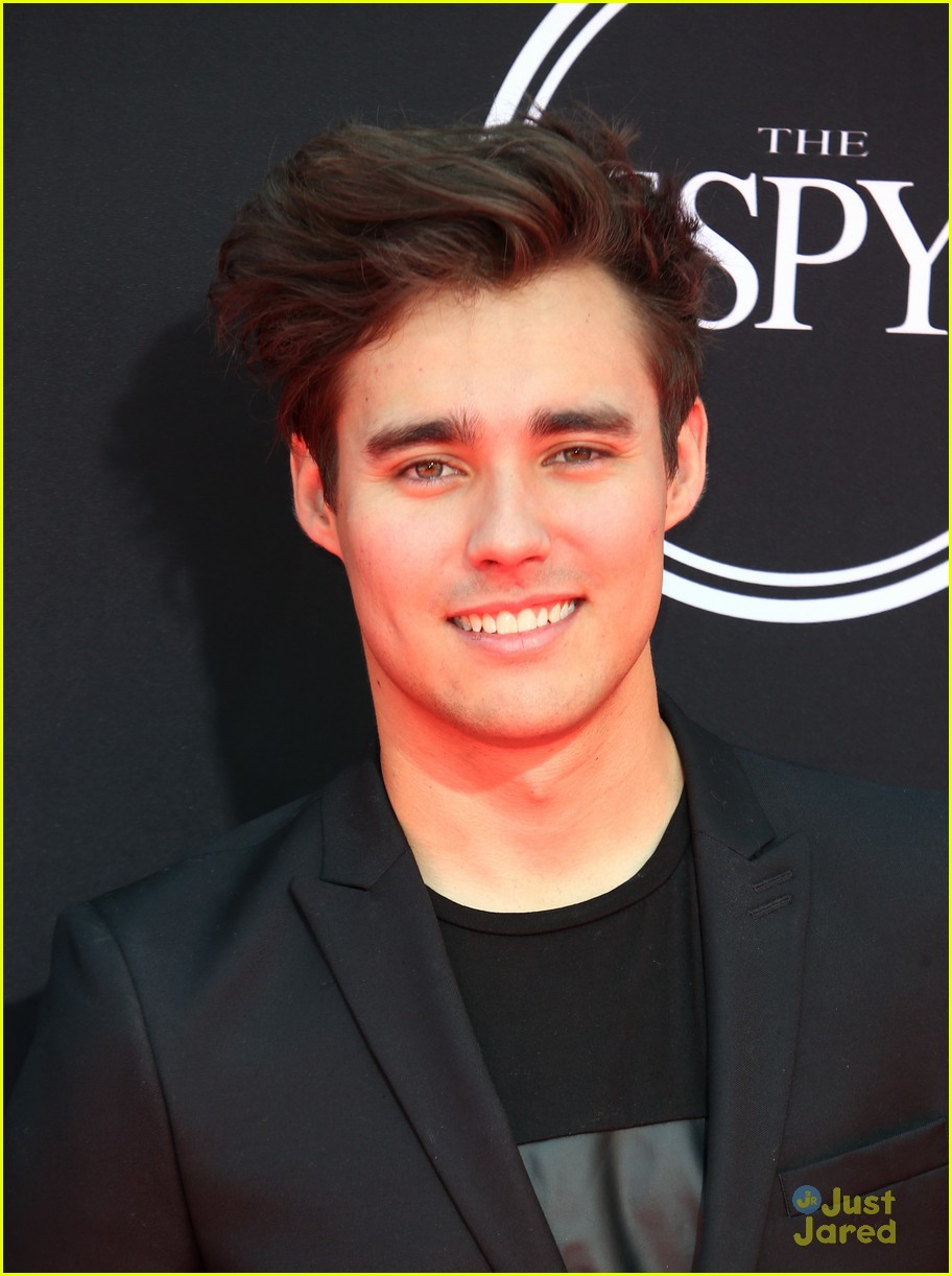 madison pettis sleek style 2017 espys jorge blanco 10