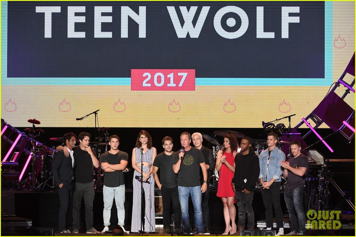 tyler posey teen wolf mtv fandom awards 14