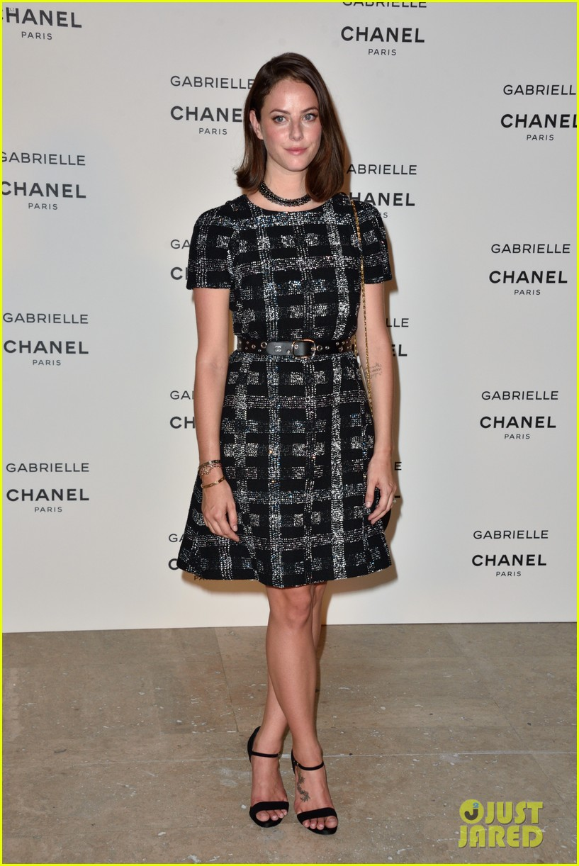 kristen stewart stella maxwell coordinate at chanels gabrielle perfume launch 10