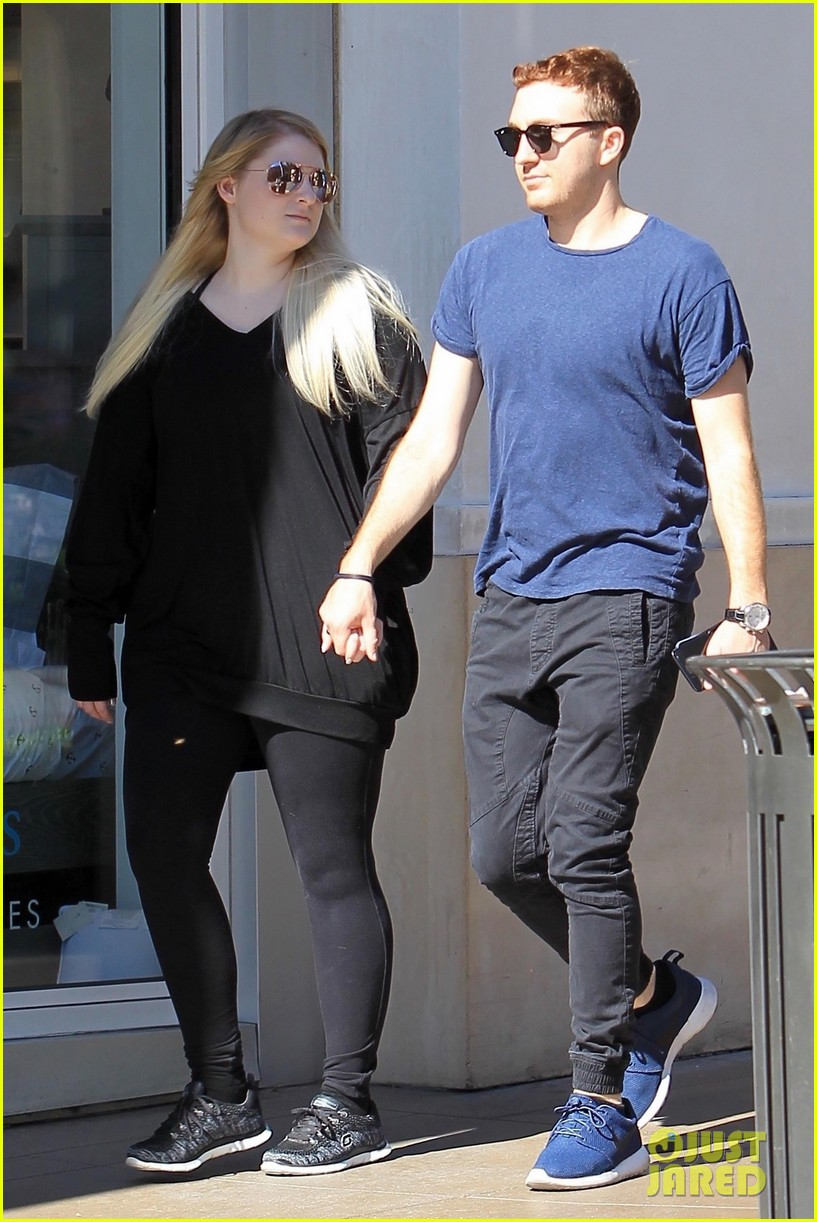 meghan trainor and daryl sabara step out after celebrating one year anniversary 05