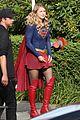 yael grobglas supergirl set psi melissa benoist 01
