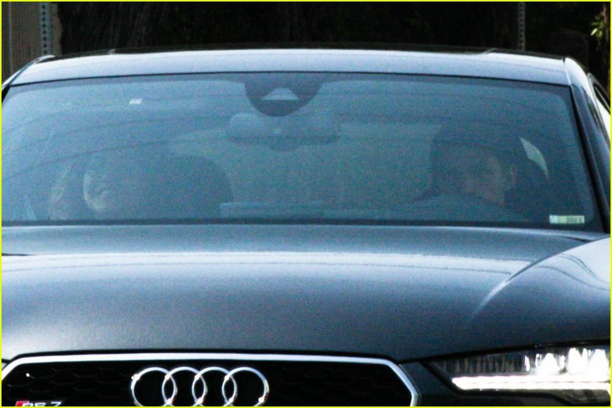 zendaya tom holland car ride photos 06