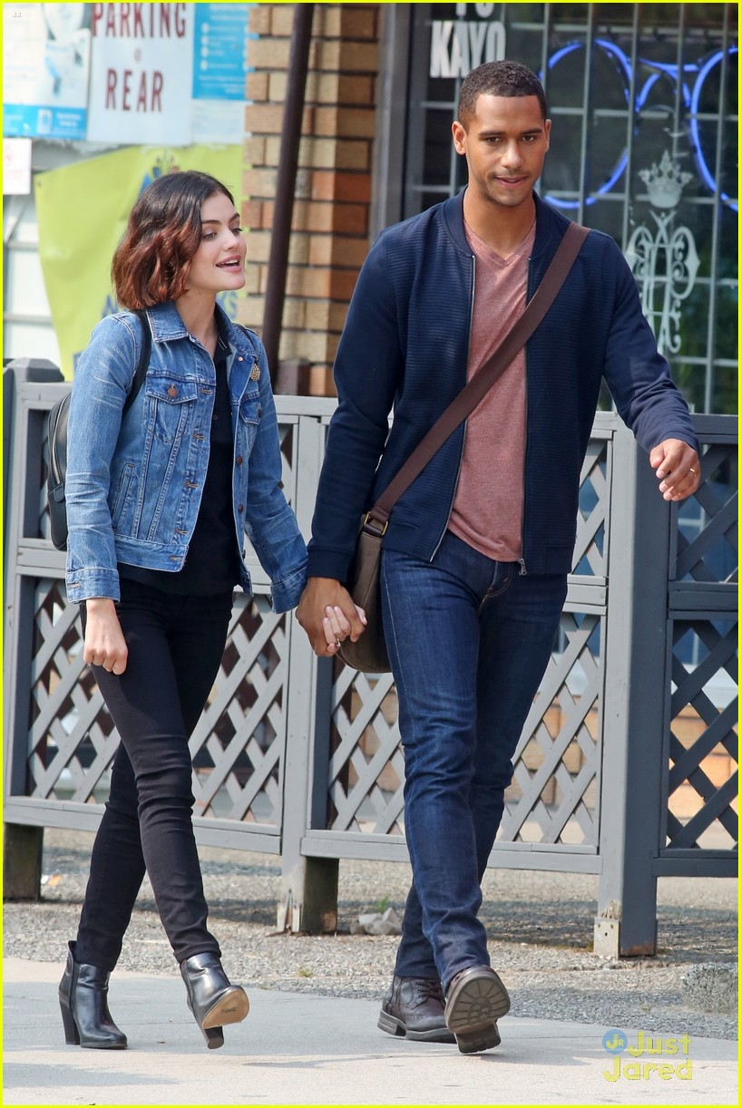 lucy hale elliot knight kisses life sentence 02