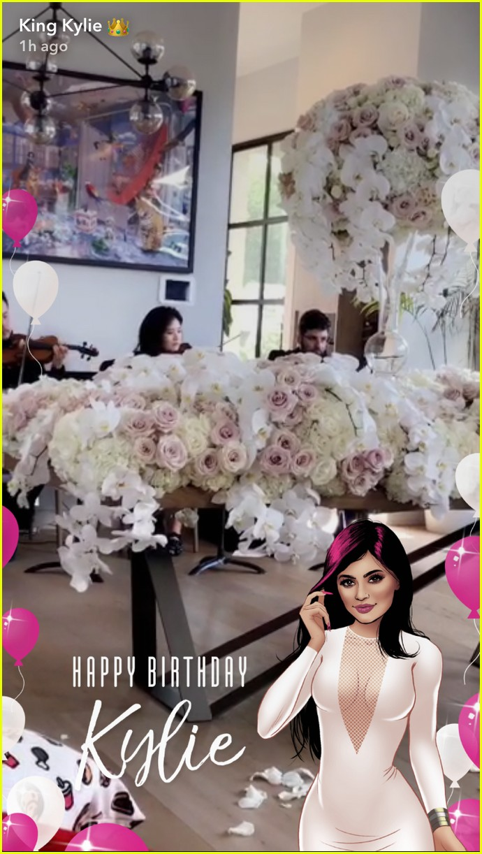 kylie jenners family throws her a surprise 20th birthday party 15