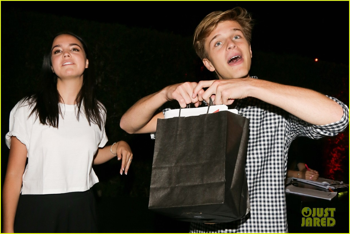 bailee madison and alex lange are way too cute at justin biebers t shirt launch 08