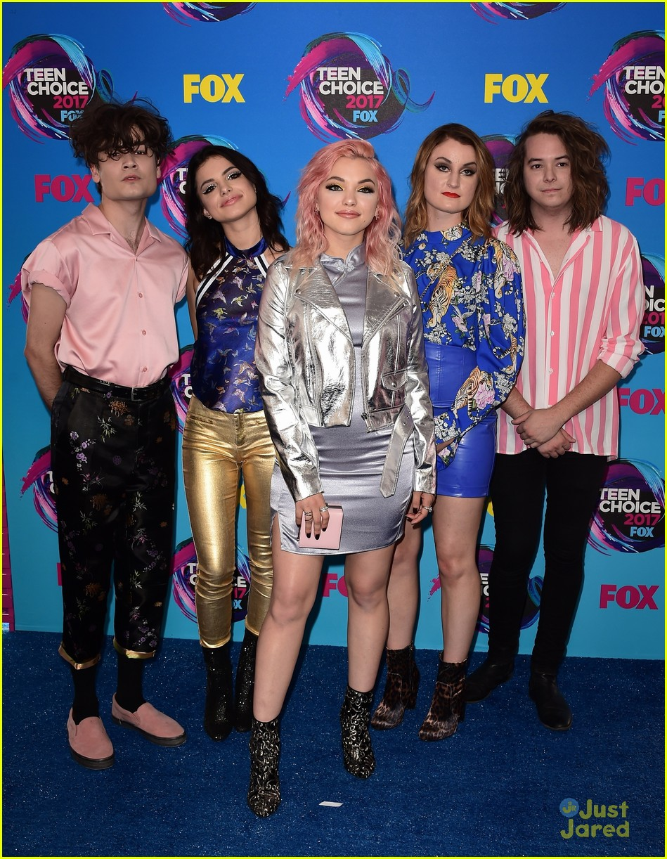 pretty much violet new hope teen choice awards 04