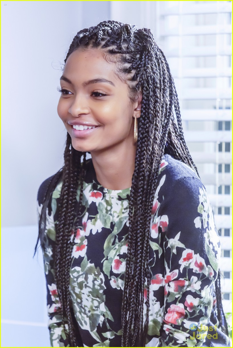 yara shahidi loves that her blackish character zoey is