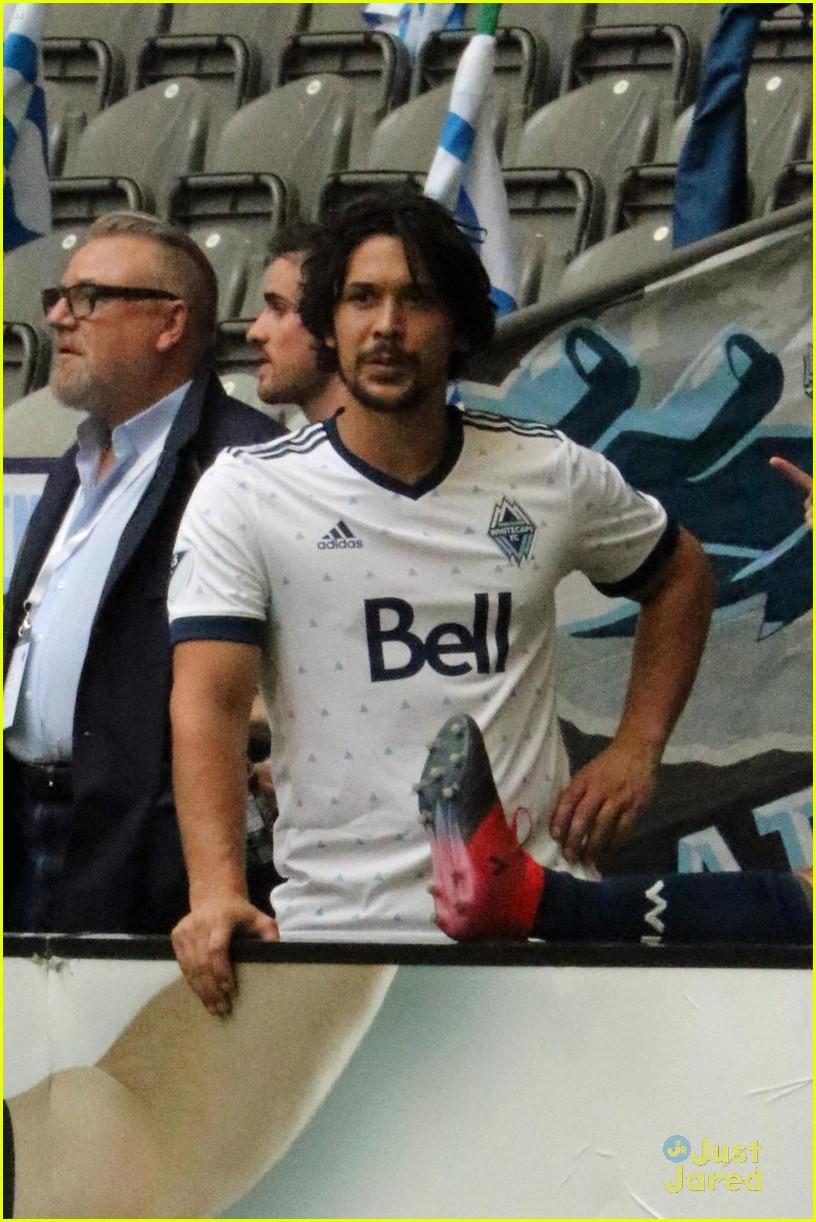 the 100 cast vancouver soccer match pics 01