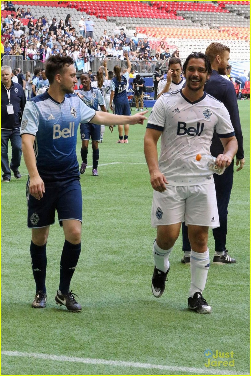 the 100 cast vancouver soccer match pics 02
