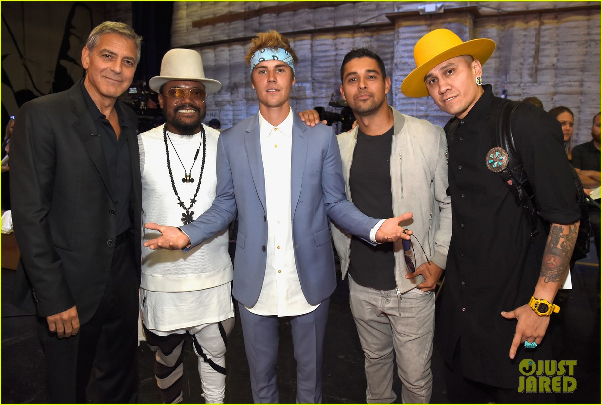 justin bieber joe jonas attend hand in hand event in la 20