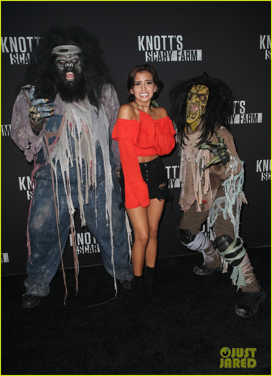 sofia carson bella thorne knotts scary farm 09