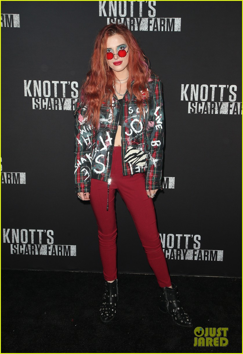 sofia carson bella thorne knotts scary farm 27