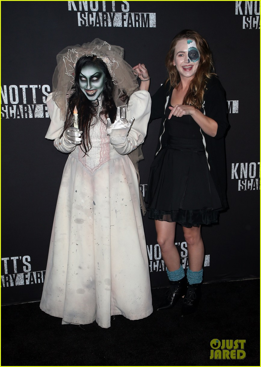 sofia carson bella thorne knotts scary farm 31