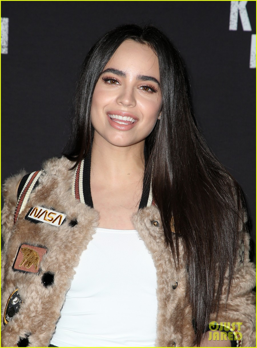 sofia carson bella thorne knotts scary farm 41