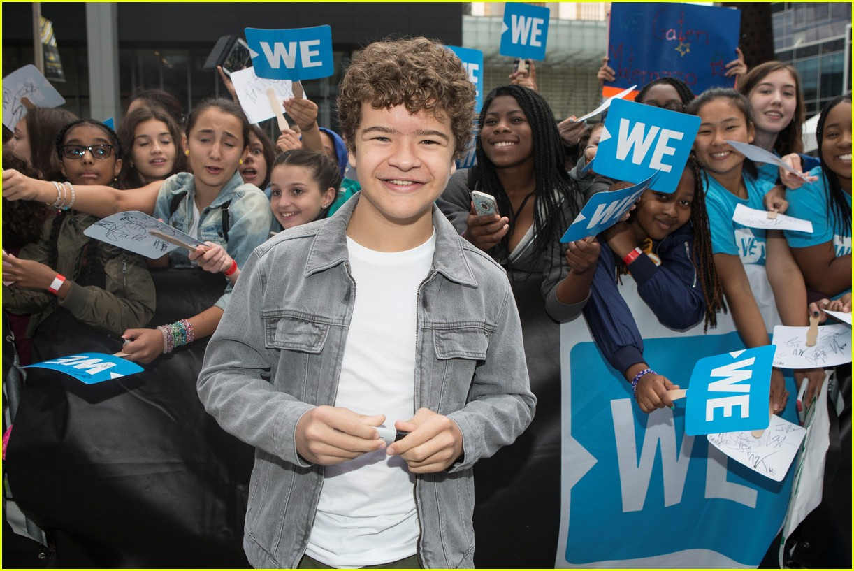 kelly clarkson and vanessa hudgens inspire youth at we day 05