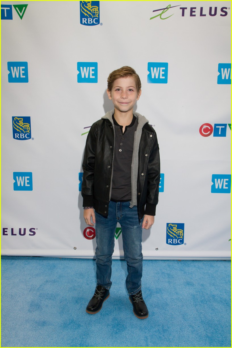 kelly clarkson and vanessa hudgens inspire youth at we day 07