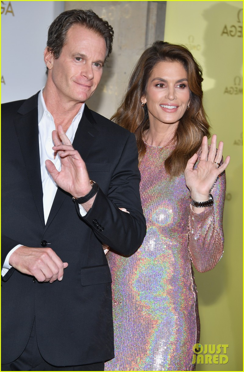 cindy crawford and rande gerber join kids kaia and presley at her time omega photocall3 17