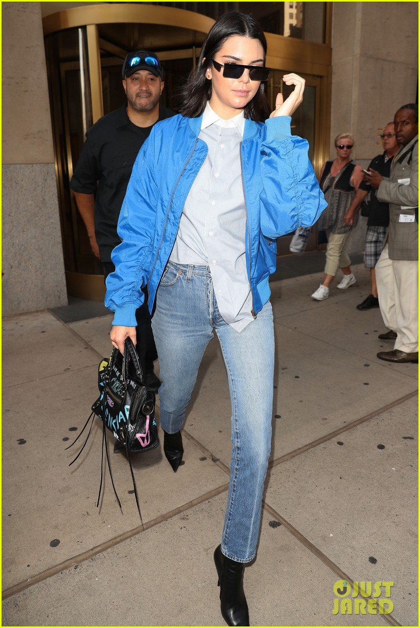 kendall jenner joins blake griffin for night out in nyc 10