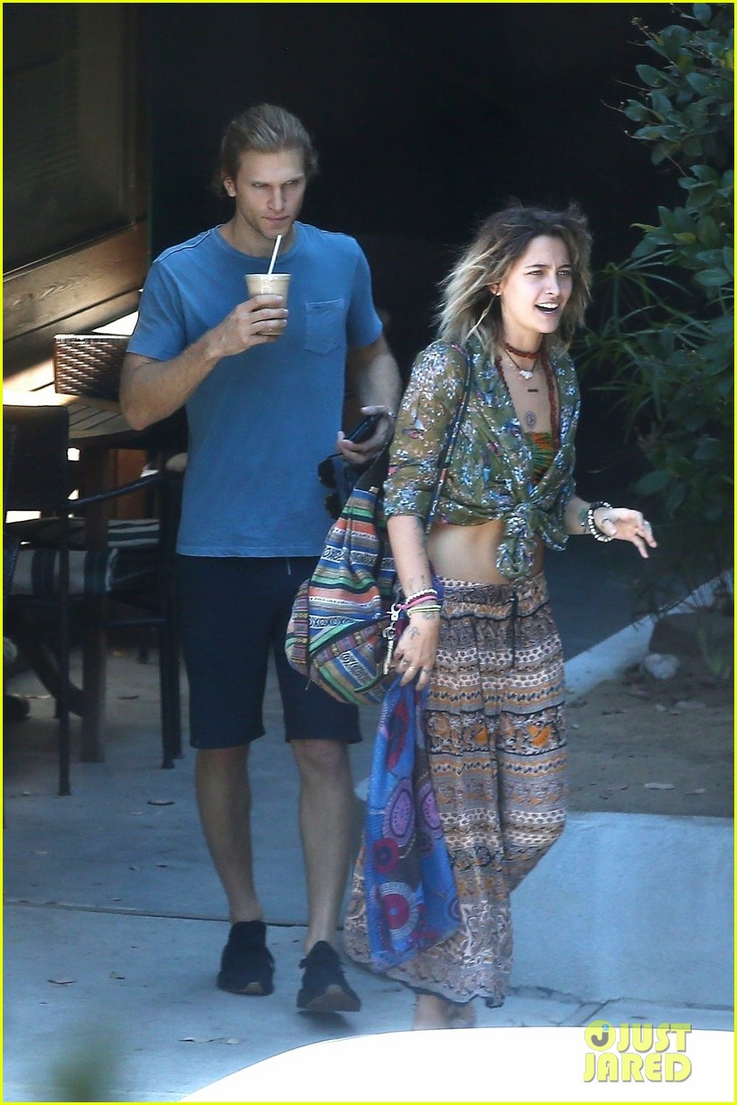 paris jackson spotted hanging out with keegan allen 08