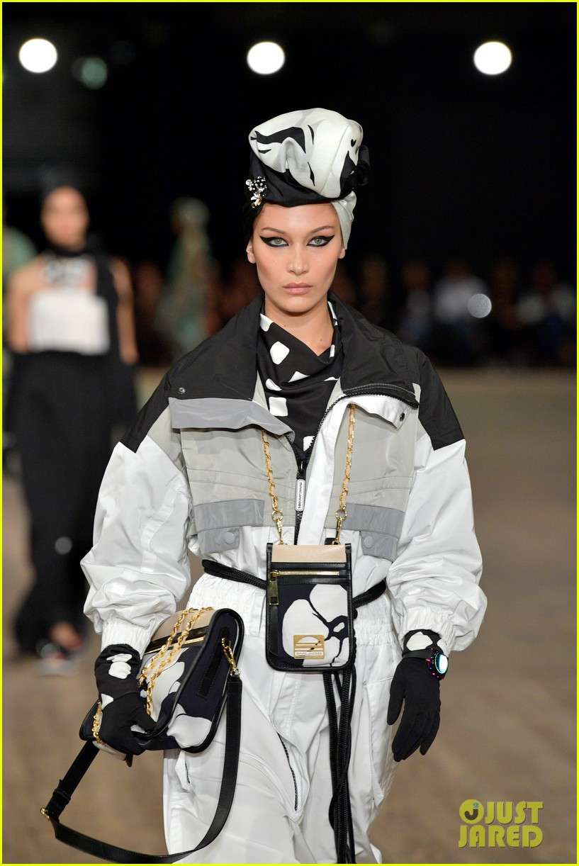kendall jenner gigi and bella hadid go high fashion for marc jacobs2 13
