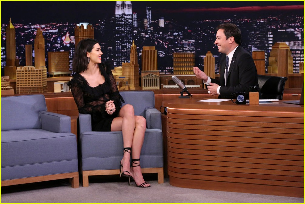 kendall jenner cuddles with puppies on tonight show 05