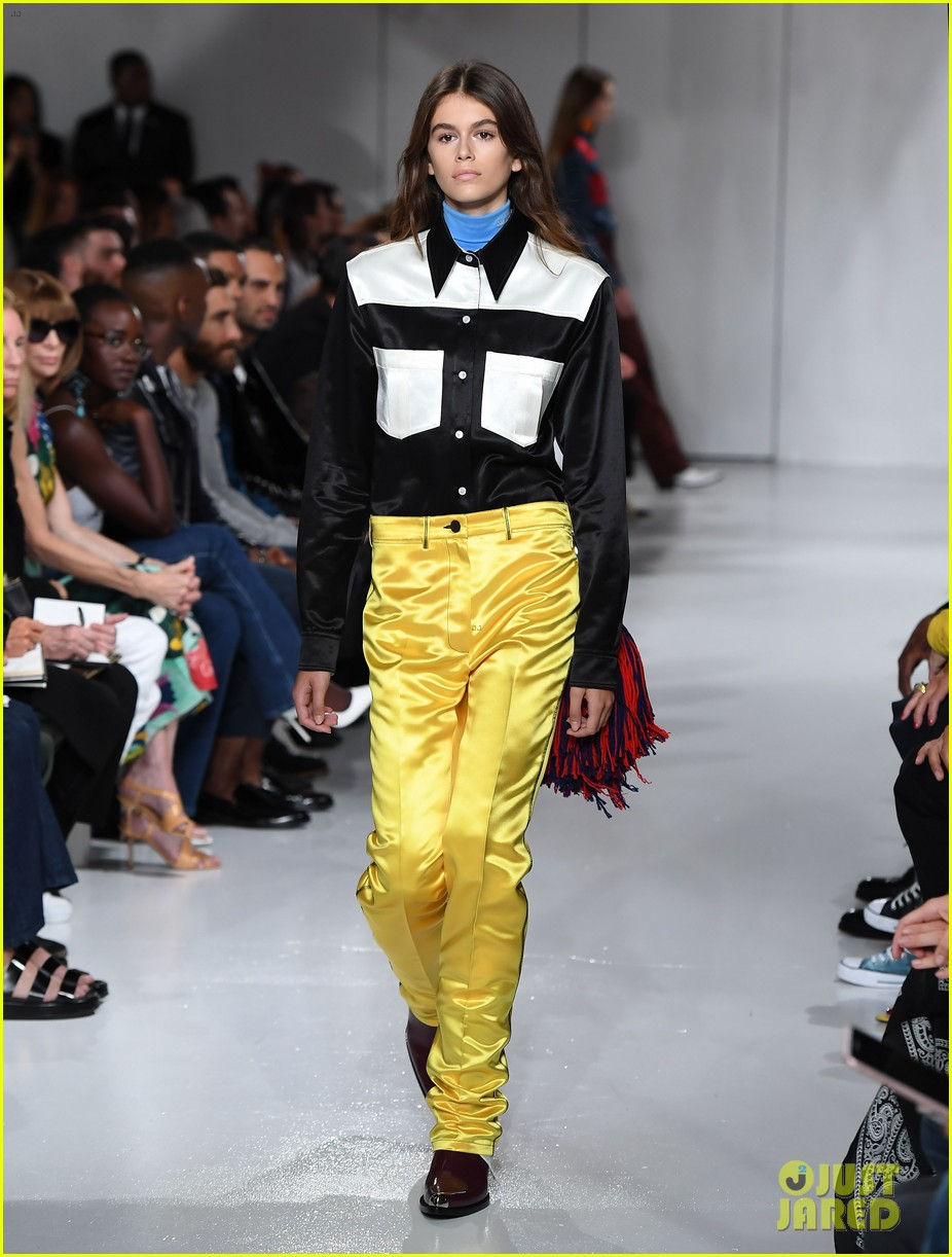 kaia gerber makes runway debut in calvin klein show 05