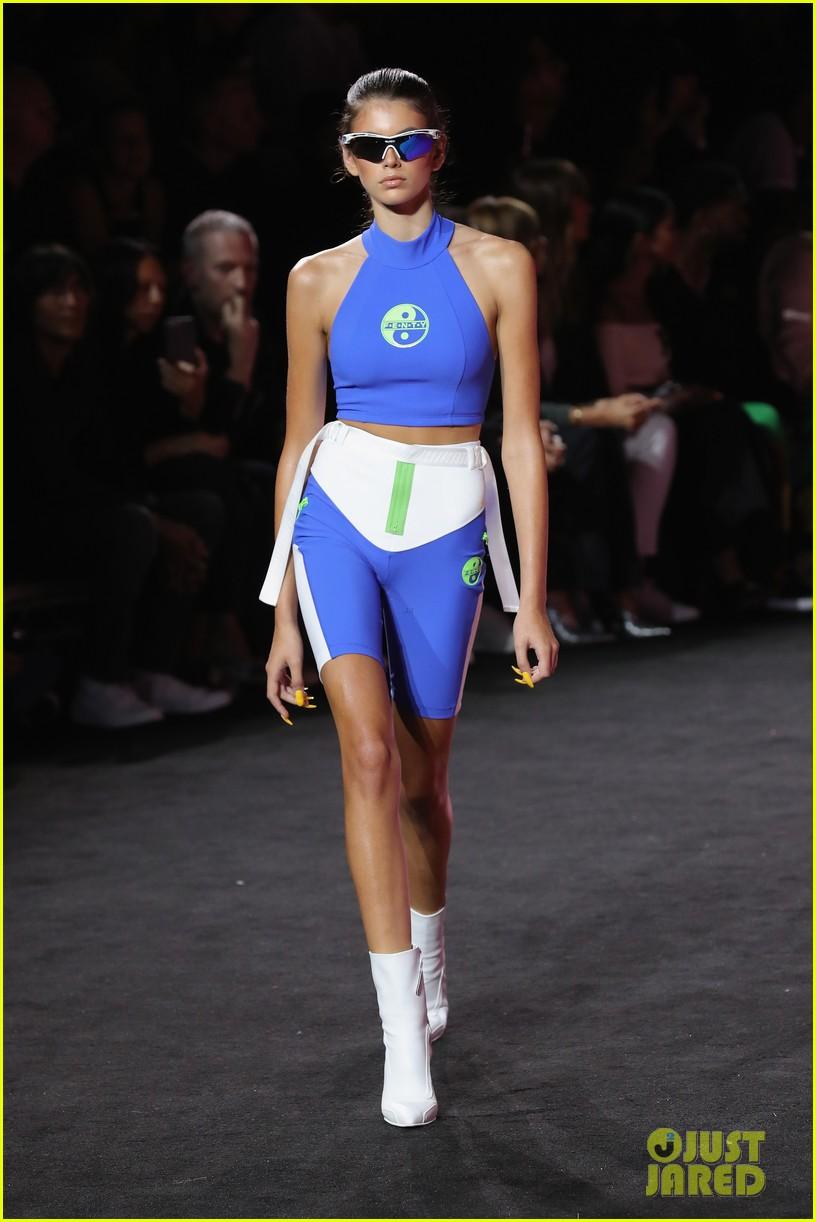 kaia gerber walks rihannas fashion show 06