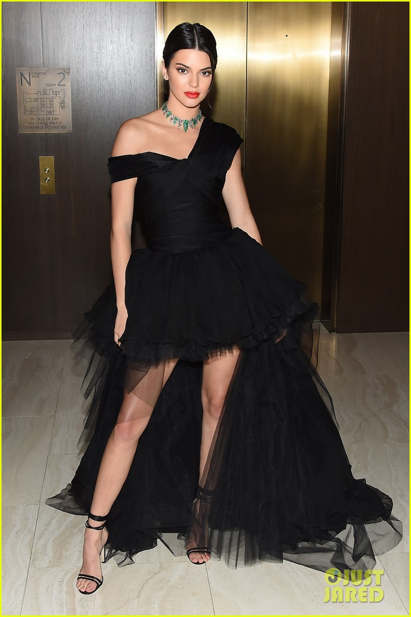 kendall jenner dfw awards valli gown 06