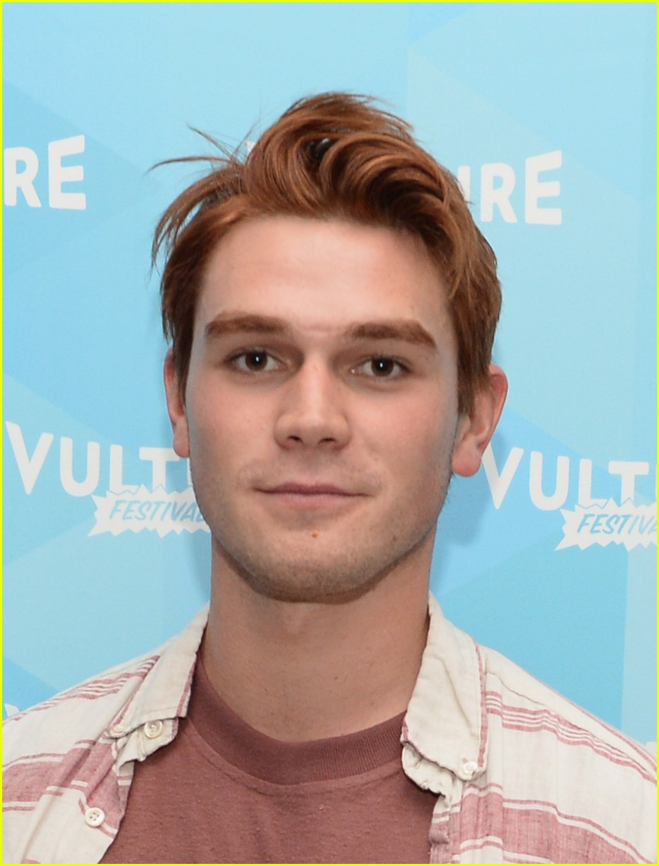 kj apa car accident 03