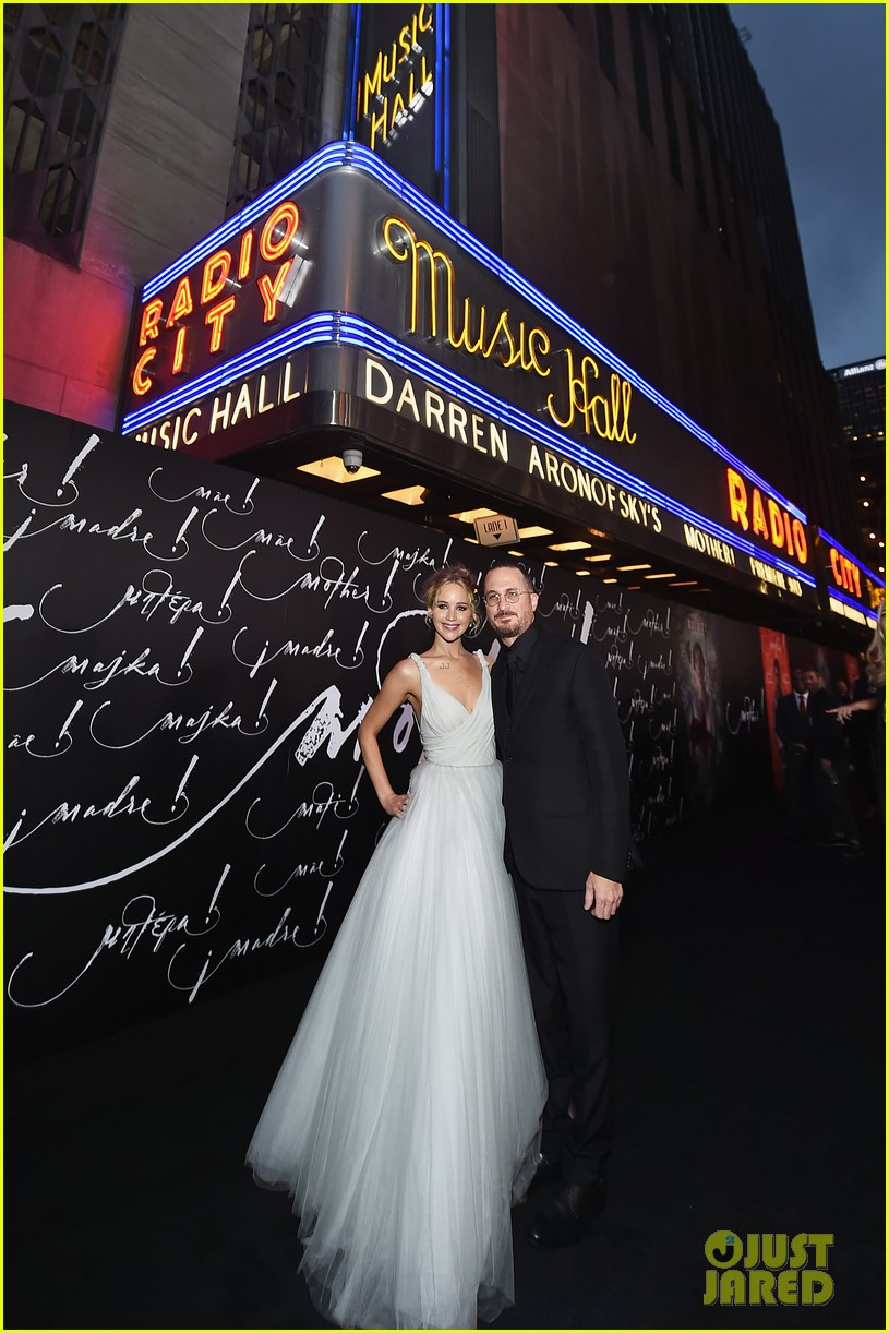 jennifer lawrence darren aronofsky mother nyc premiere 07