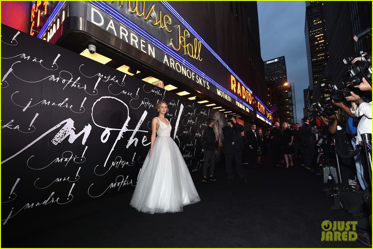 jennifer lawrence darren aronofsky mother nyc premiere 10