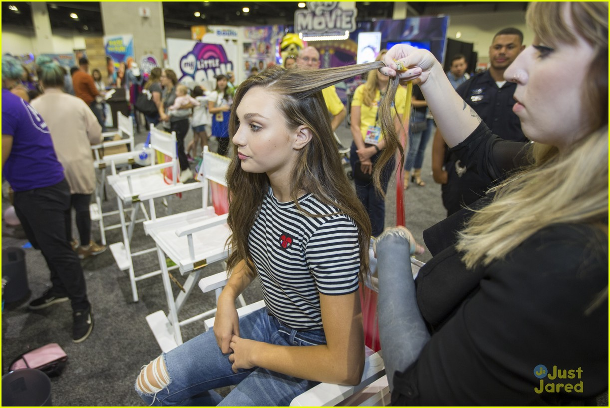maddie ziegler mlp movie hair streaks hascon 02