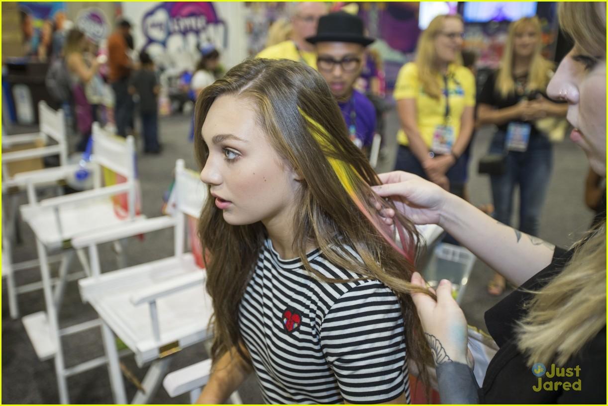 maddie ziegler mlp movie hair streaks hascon 06