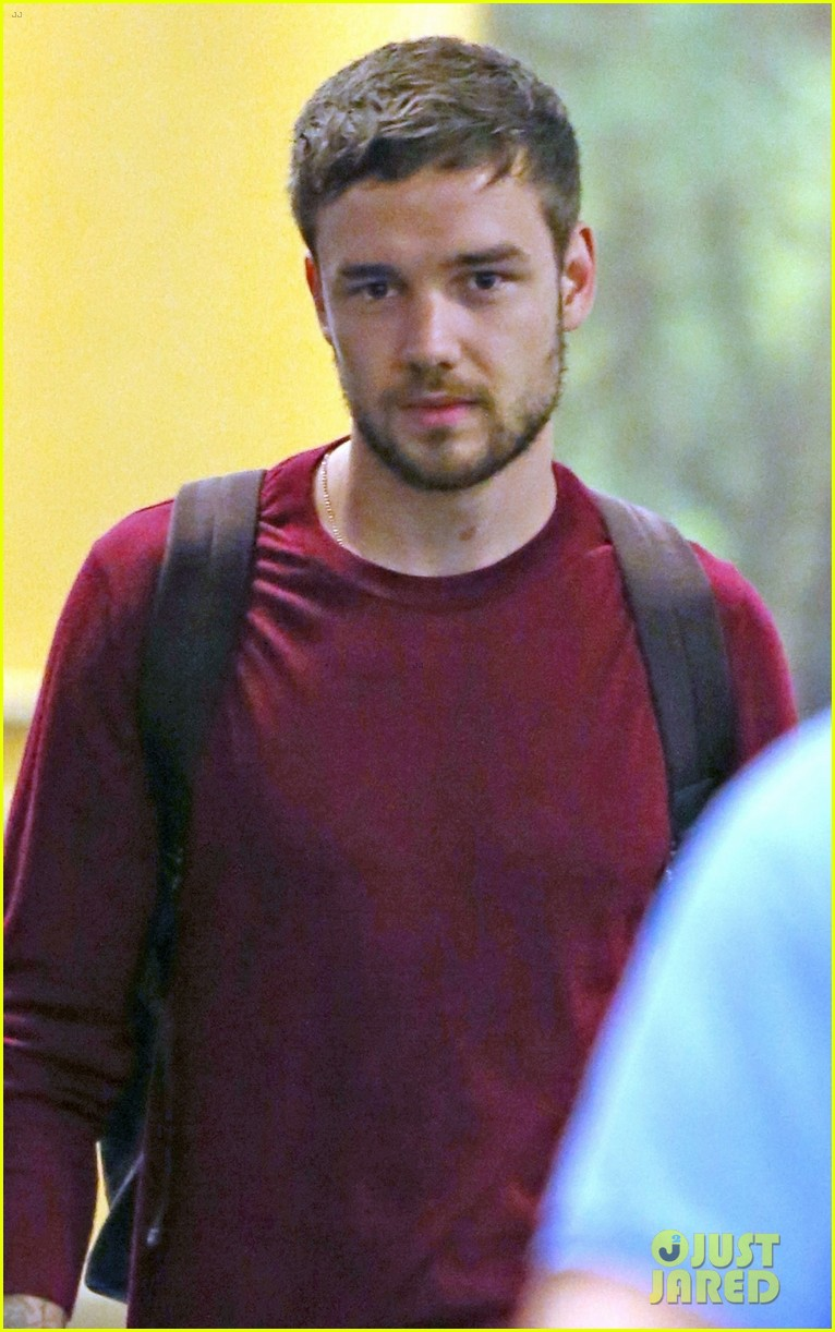 liam payne arrives in vancouver ahead of iheartradio concert 01
