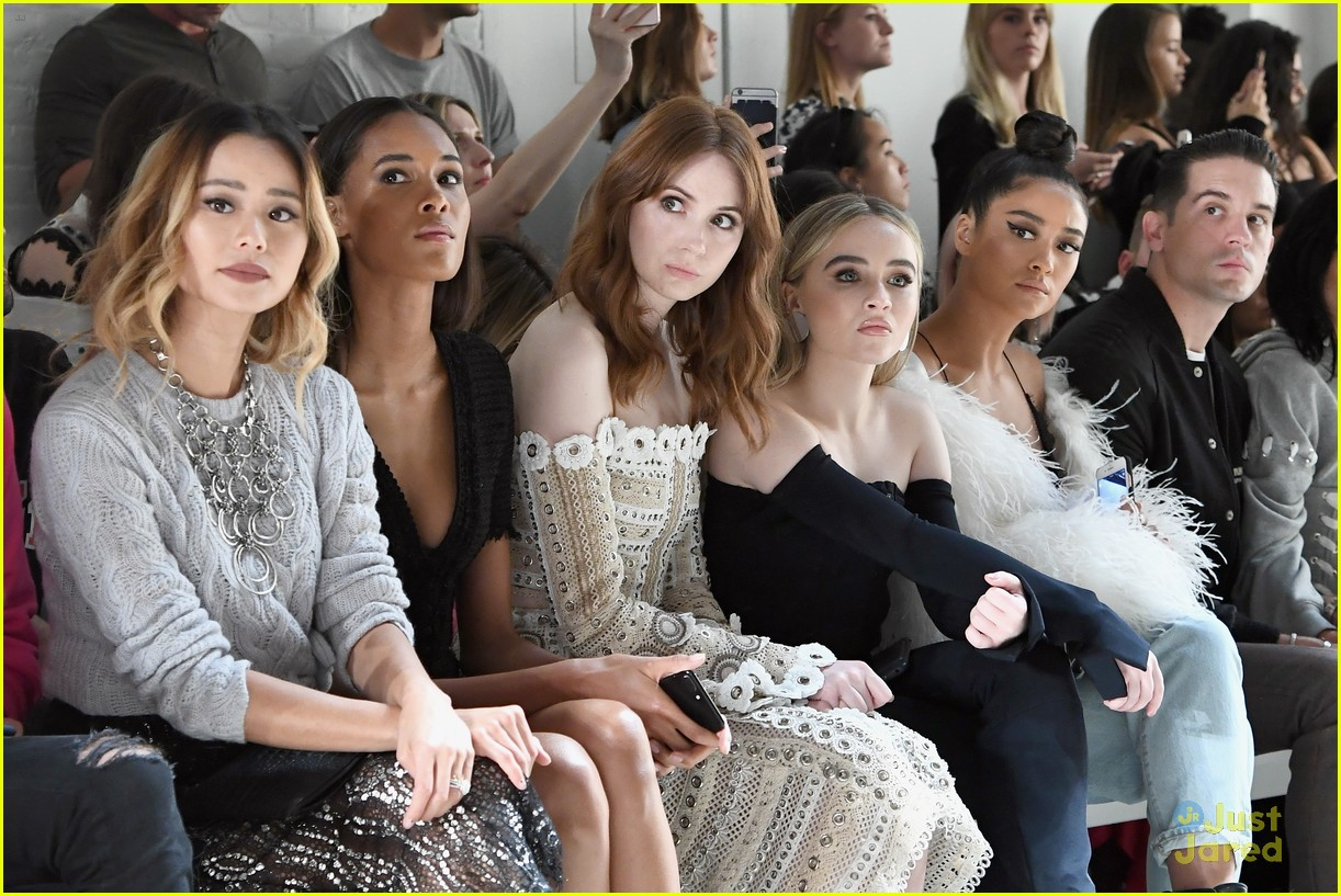 sabrina carpenter icons simkhai nyfw juliet tweet 14