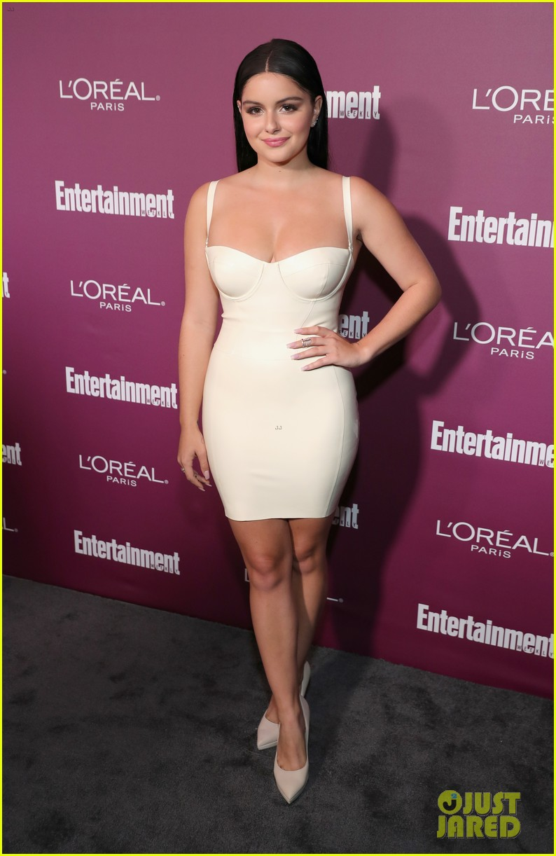 ariel winter sarah hyland pre emmys party 14
